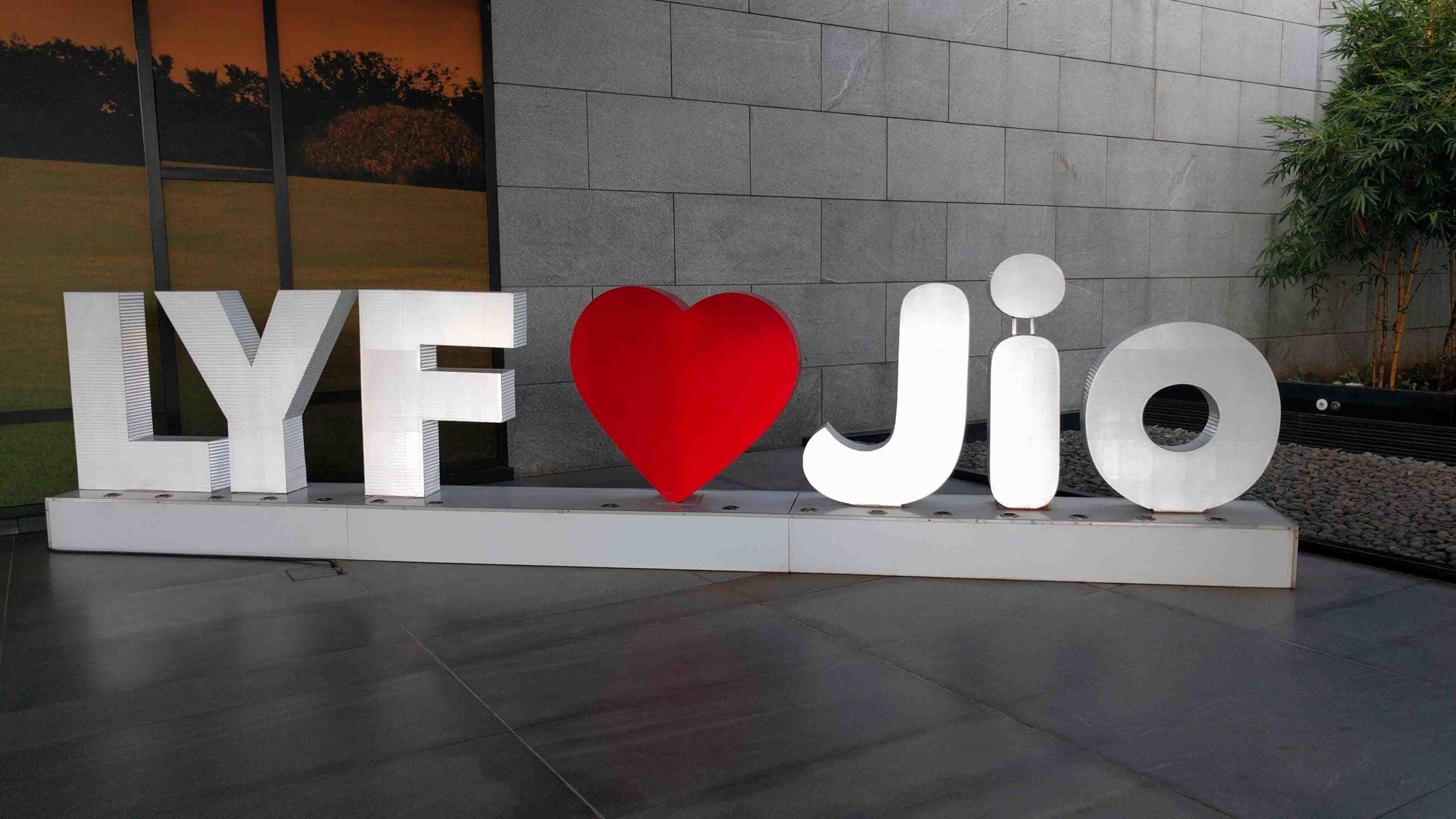 LYF Jio scaled