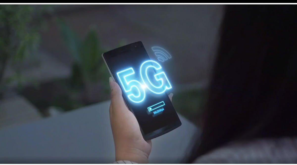 5G Smartphone Banner